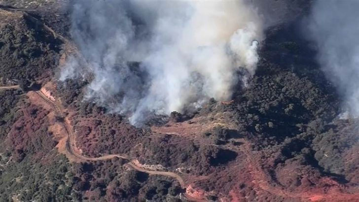 Los Angeles Wildfire Burns 4,700 Acres in 11 Hours